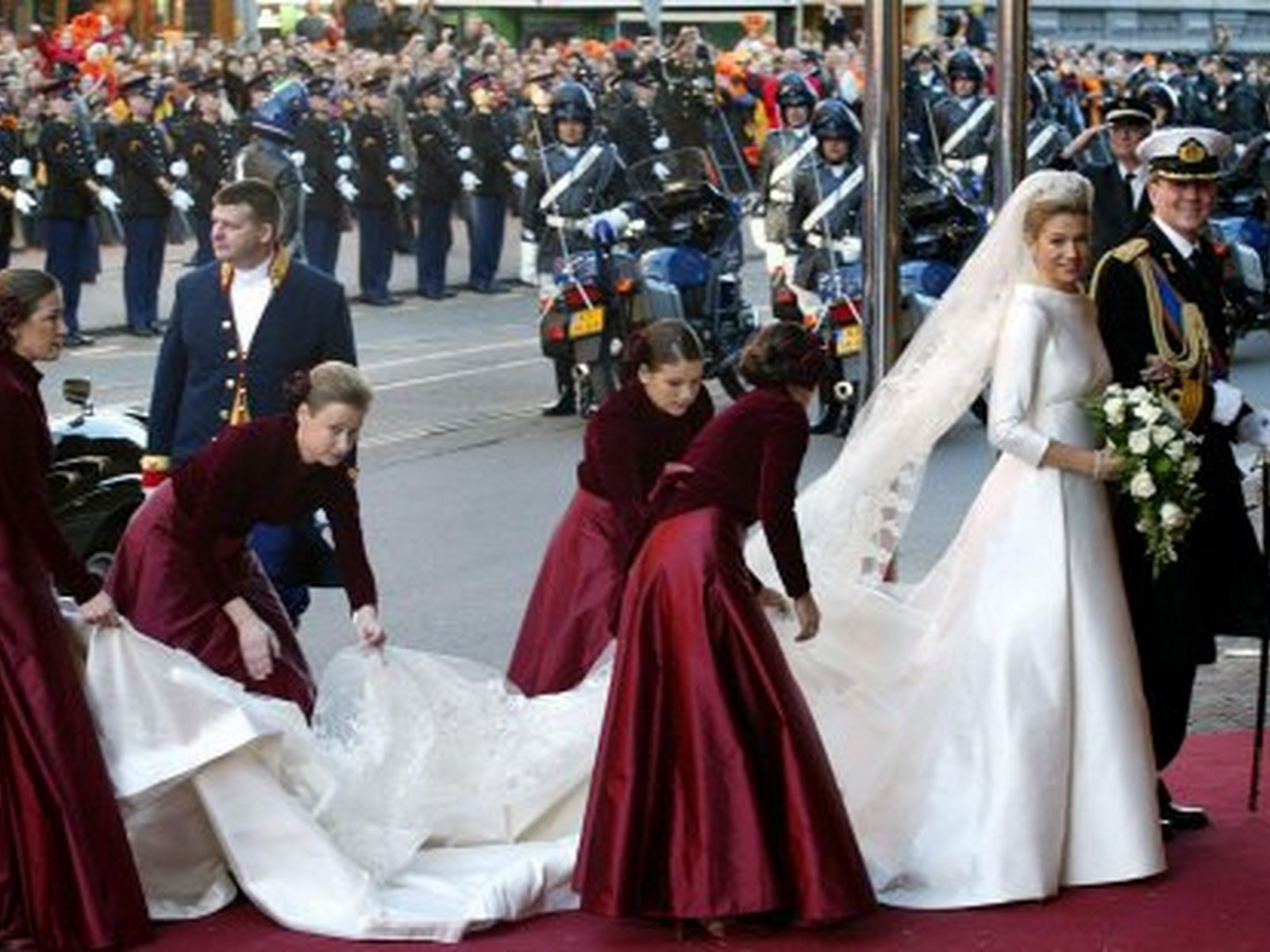 ROYAL COUTURE.....Royal Wedding Gowns: A Look Back Through The Years ...