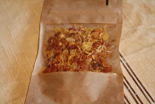 http://www.dmg-herbaty.pl/sklep/herbata-owocowa-mango-tango?search=mango