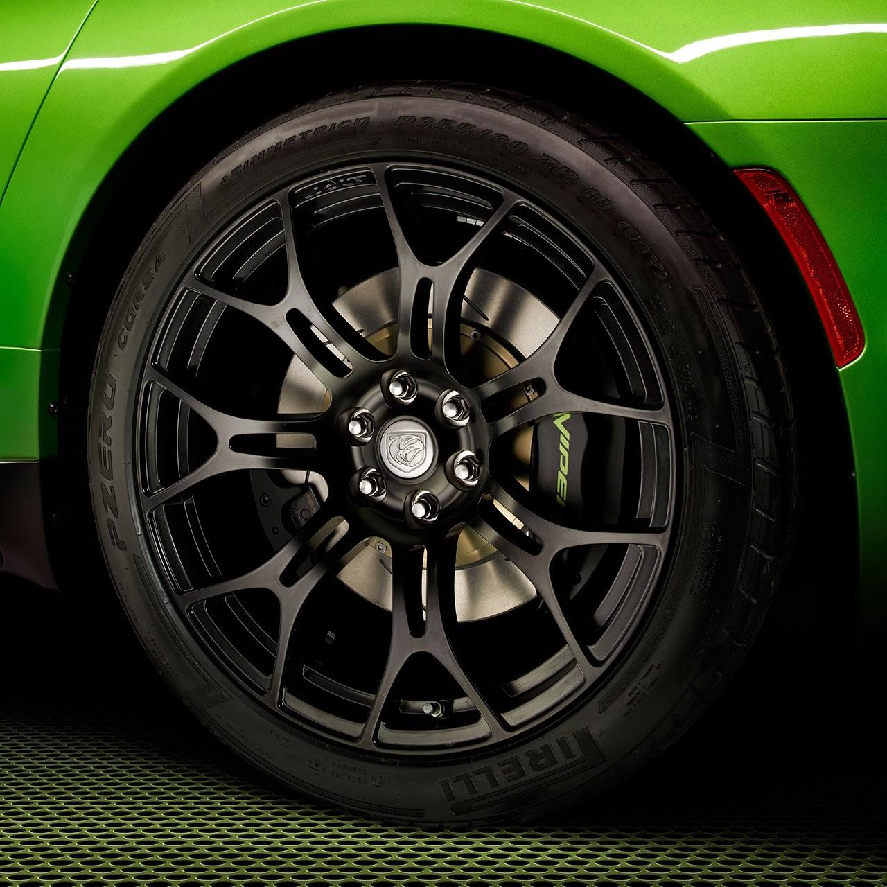 Stryker Green  2014 SRT Viper tire