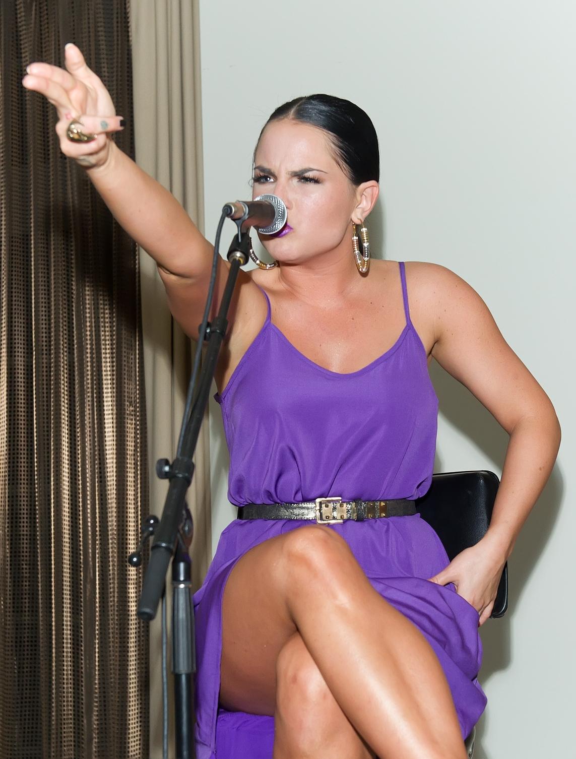 Joanna jojo levesque sexy singles concert in philadelphia joanna jojo levesque hot wallpaper voltagebd Images
