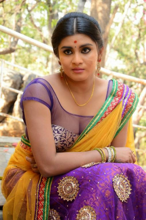 telugu latest actress harini navel show in saree at