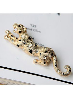 small leopard brooch