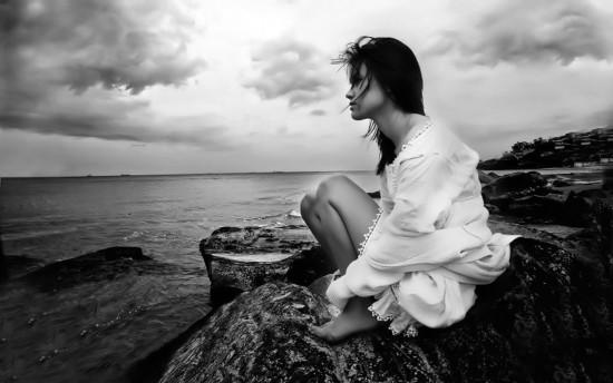 El sentido de la vida 001-stunning-photos--zbyszek--Beauty-in-All-Forms--noir-et-bland--Sasha--women--faves--achroma-black-and-white--specinds--1--fantasy--slipped-halo-2--cinas77_large