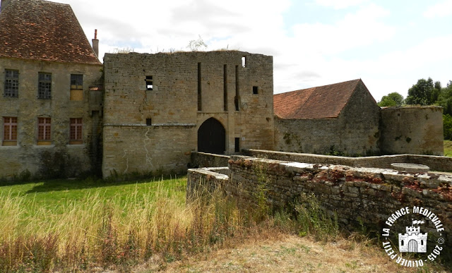 EGUILLY (21) - Château-fort (XIIe-XVe siècles)