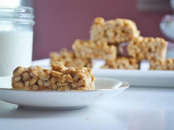 Peanut Butter Honey Cereal Bars