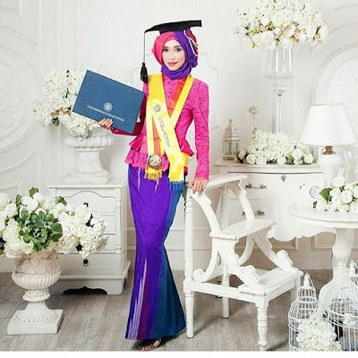 model kebaya wisuda broklat pink panjang model hijab