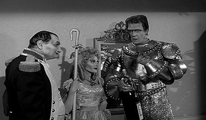 la idea de una familia de monstruos cmicos fue sugerida a universal studios a finales de la dcada de por el animador bob clampett
