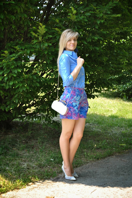 outfit camicia azzurra come abbinare la camicia azzurra abbinamenti camicia azzurra outfit shorts e camicia abbinamenti shorts e camicia mariafelicia magno colorblock by felym mariafelicia magno fashion blogger blog di moda italiani blogger italiane di moda blogger italiane how to wea light blue shirt light blue shirt summer 2015 summer outfits spring outfit outfit estivi donna outfit maggio 2015 blonde hair blonde girl blondie ragazze bionde