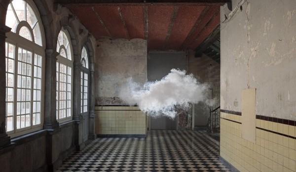 Nubes bajo techo