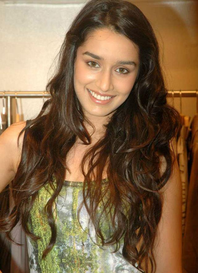 Shraddha Kapoor Hot Bollywood Actress Pics Photos  Images