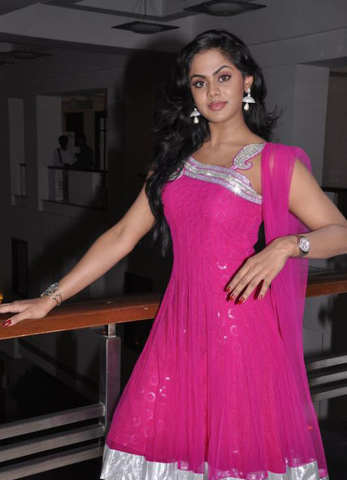 karthika nair , latest photos