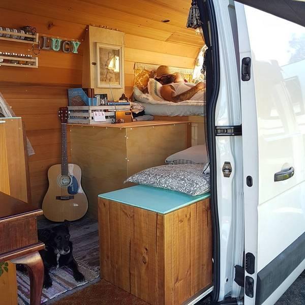 Как сделать дом на колесах из фургона 195