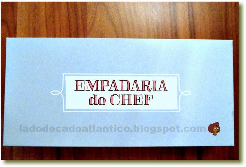 Foto de uma caixa azul clara da Empadaria do Chef José Avillez, Lisboa