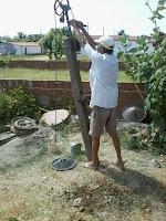 Agricultor de Ipueira/RN inventa máquina de perfurar poço.    biconarede.com