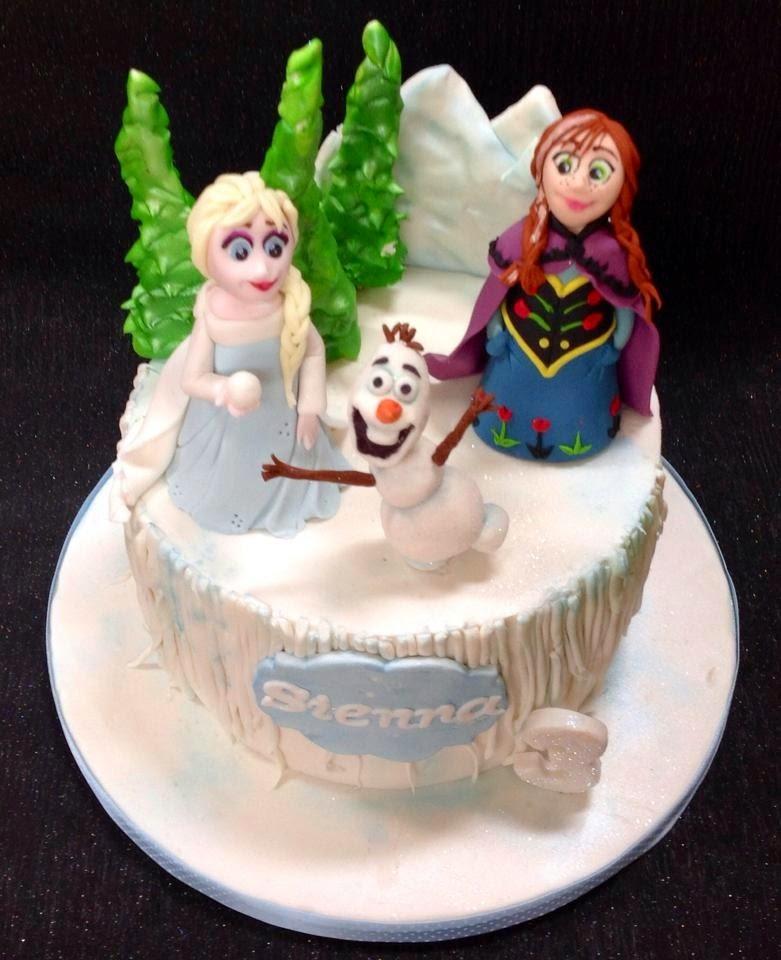 The Perfectionist Confectionist: Sienna - Frozen Birthday Cake