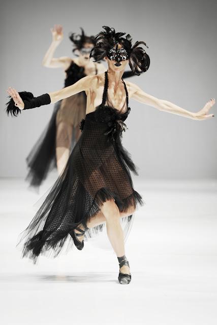 24 - Trash Couture 2012 �lkbahar Yaz Modas�