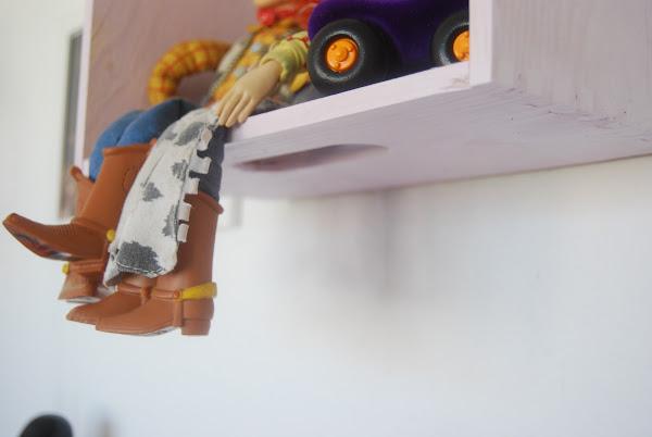 Como hacer un perchero de madera aprender manualidades for Como hacer percheros de madera de pared