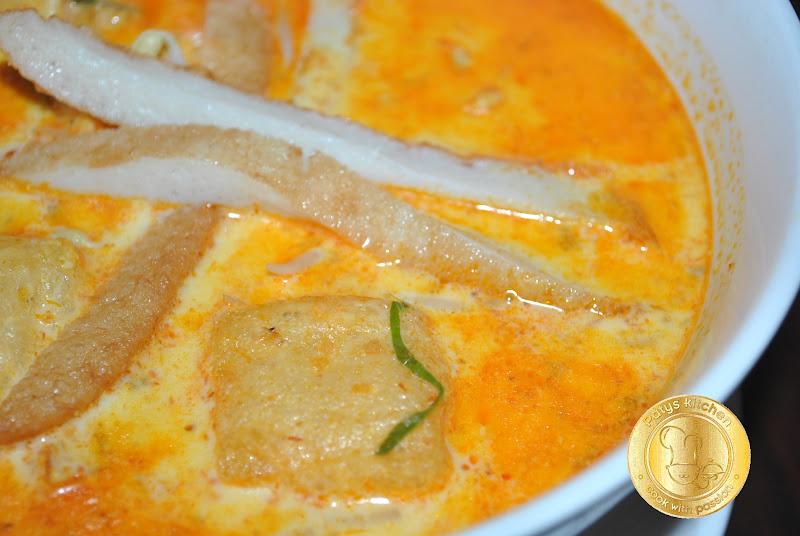 how to make laksa soup base