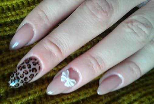 nail art fiocco