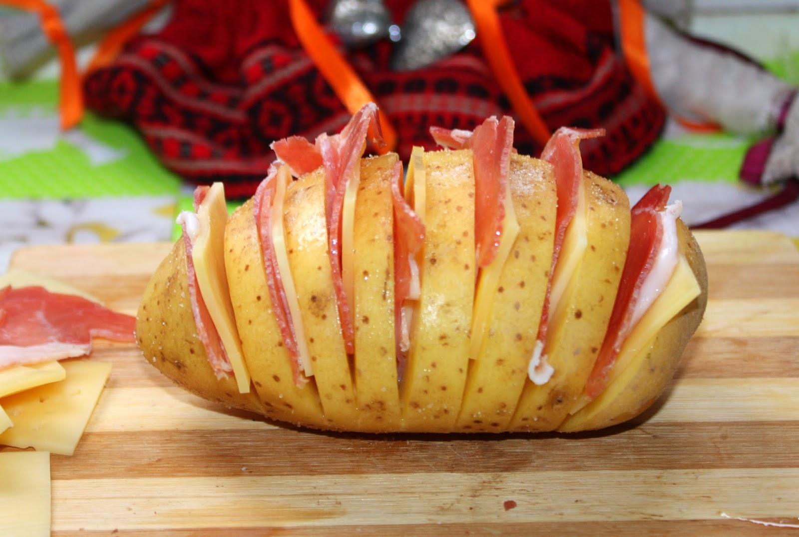 Картошка гармошка с мясом в духовке рецепт пошагово