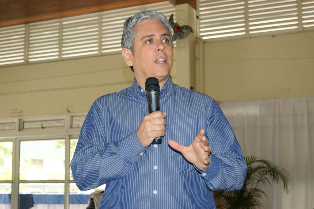 O professor Joe Garcia fala sobre indisciplina escolar no segundo dia da Semana da Educação