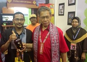 MADU KELULUT SYAMILLE BERSAMA YB DATUK SERI MUSTAPA MOHAMED (MITI)
