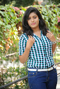 Liza reddy glam pix in jeans-thumbnail-12