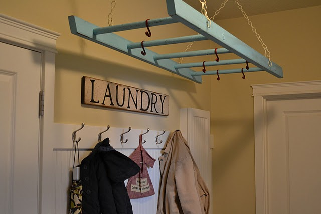 Great ideas organization storage 1 pallet furniture for Clothes hanging ideas for small spaces