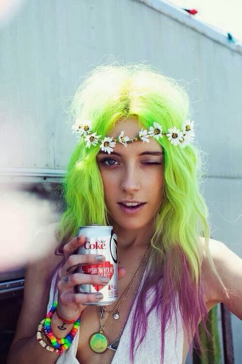 lime green dyed hair dye floral headband daisy chain dip dye purple lilac lavender model chloe norgaard festival fashion