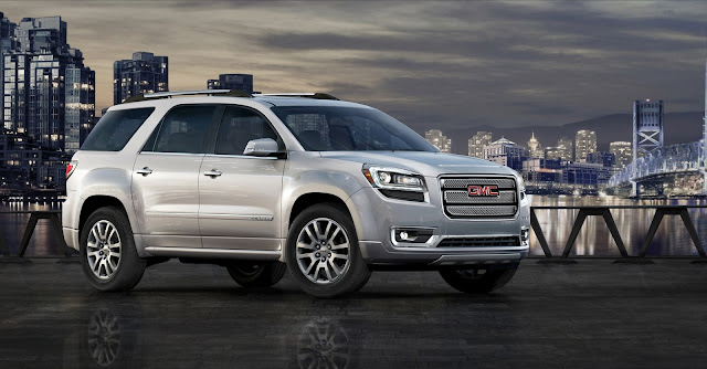 Front 3/4 view of 2013 GMC Acadia Denali