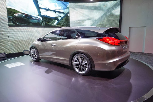 2014 Honda Civic Tourer Concept Wallpaper