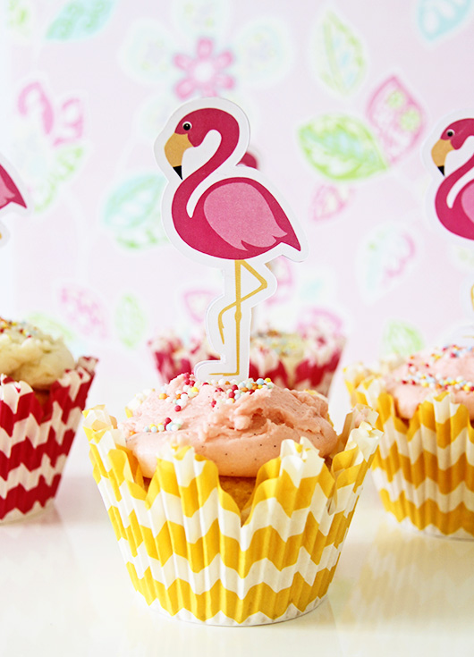 Flamingo Cupcakes | Paper & Party Love