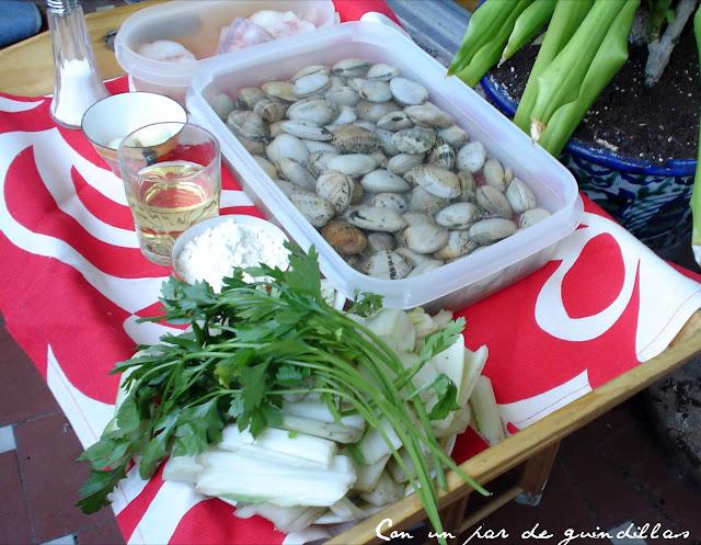 Ingredientes para unas pencas de acelgas con almejas