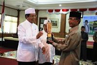 walikota ahyar abduh saat acara penutupan bimbingan manasik haji