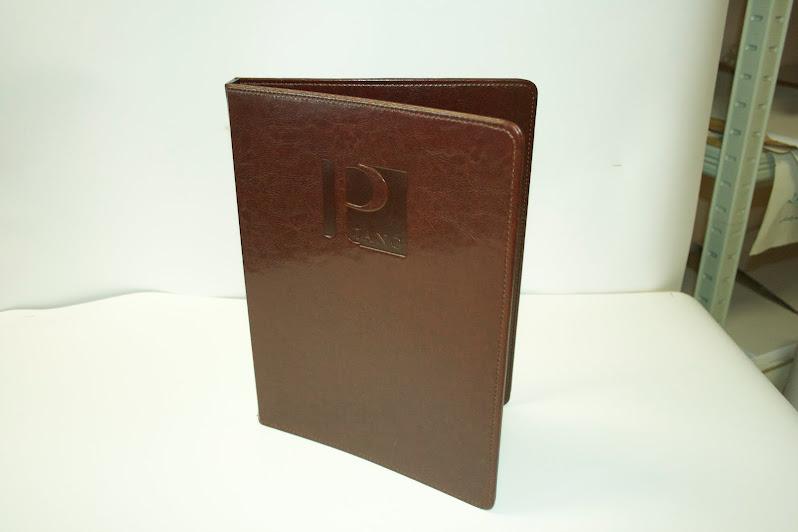 ПИАНО, Папка-меню из искусственной высококачественной кожи шоколадного цвета