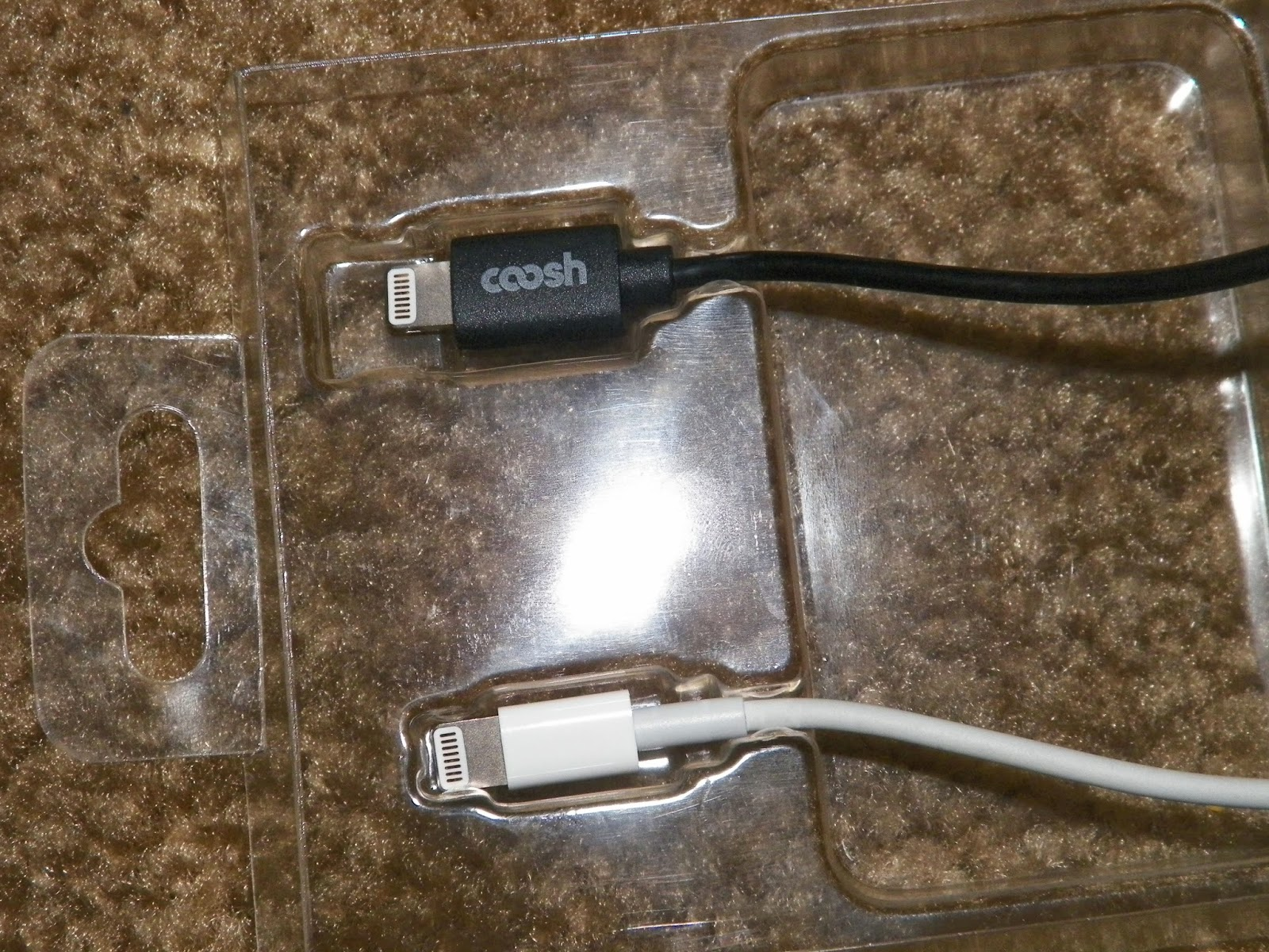 CooshSyncChargeCableWithLightningConnector.jpg