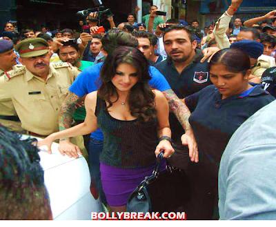 Sunny Leone at Jism 2 Promotion