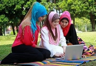 Fashionable-Hijab-Styles-2015