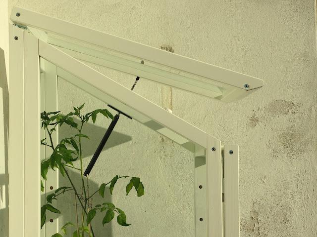 kekkilä vihervitriini tomaatti kasvihuone parveke