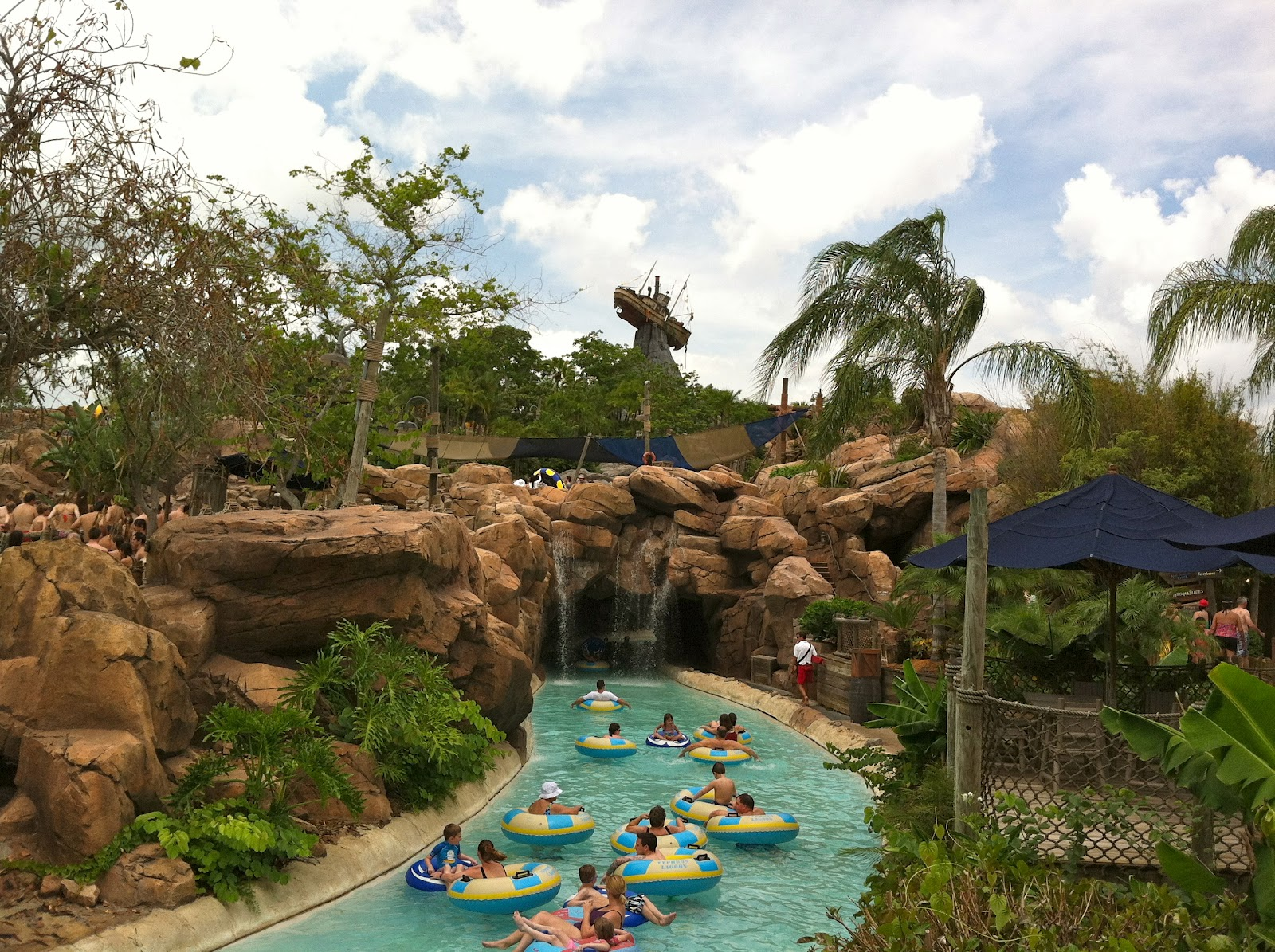 Typhoon Lagoon - Deej Does A Water Park ~ The World of Deej