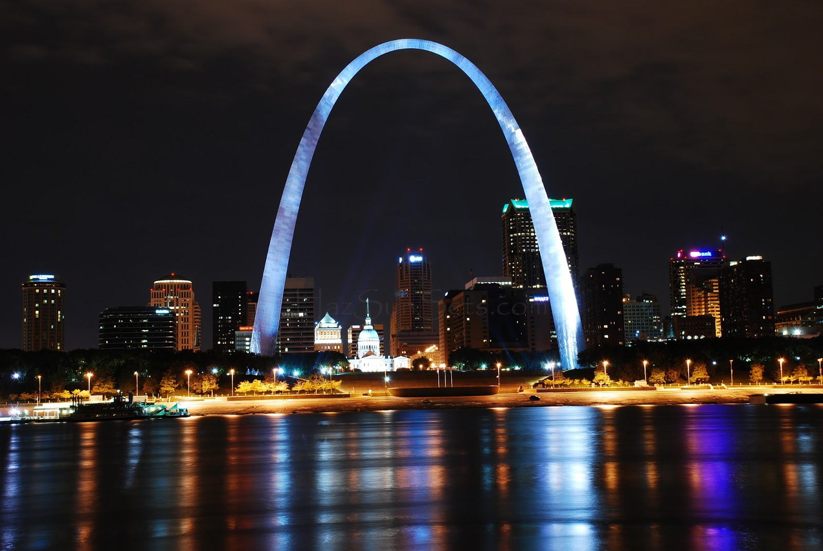 The gateway arch uk wjazdowy st louis pami tnik for St louis architecture