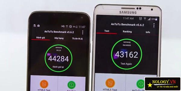 Samsung Galaxy Note 3 cũ và Samsung Galaxy S5 Au.