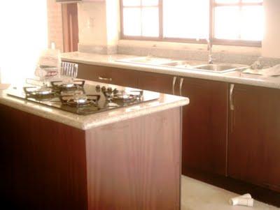 MUEBLES DE COCINA DISEÑO, FABRICACIÓN Y  - fotos de muebles de cocina de cedro