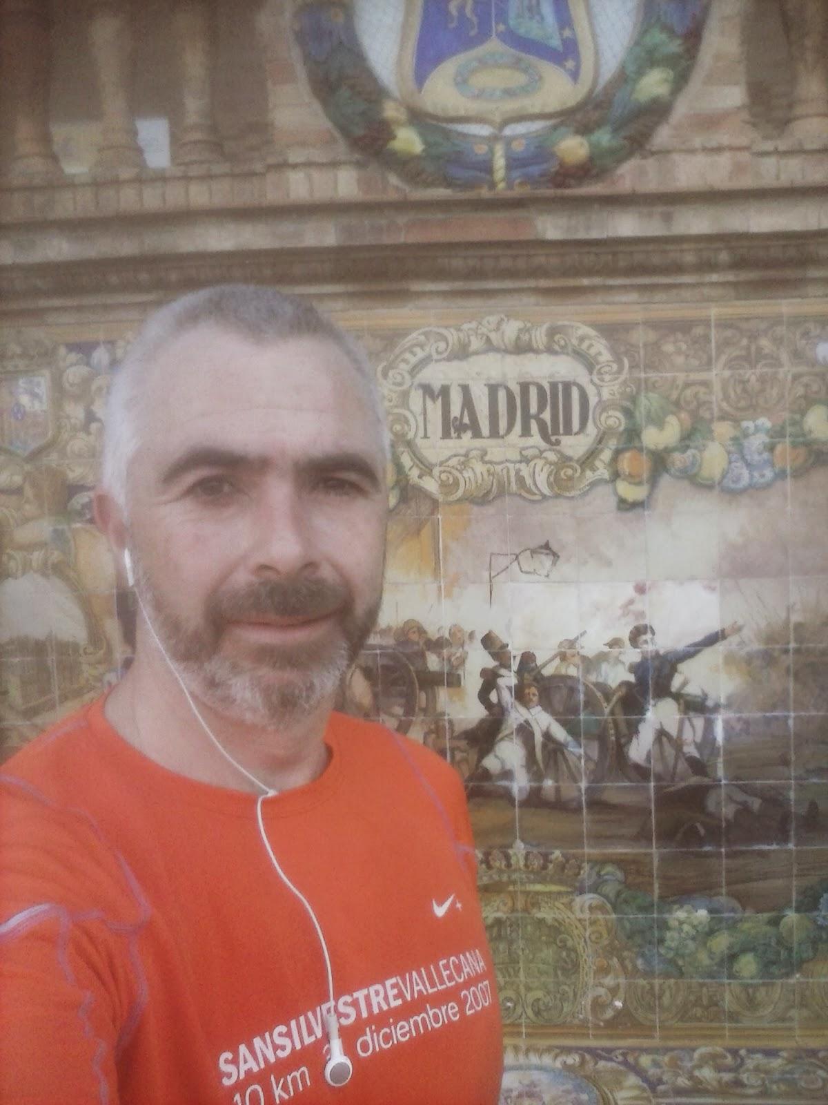 Escudo de Madrid en la Plaza de España