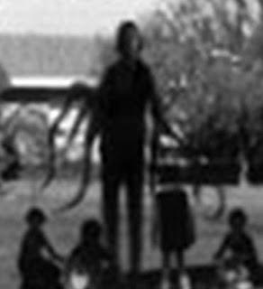 foto real de slenderman con niños