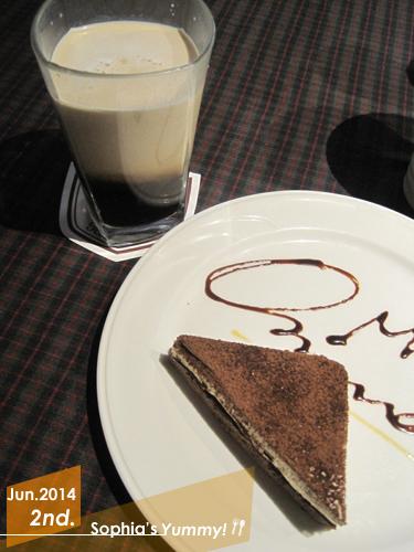 甜點飲料-冰拿鐵、提拉米蘇