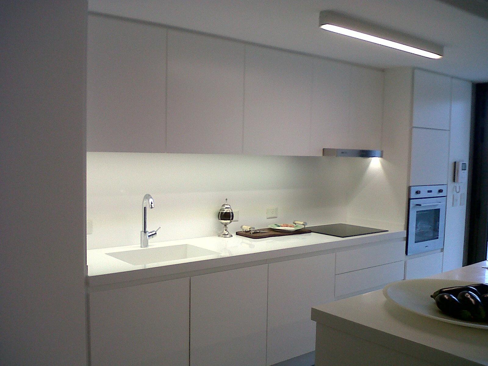 Iluminacion e p s i otros trabajos nuestros con leds - Luces para cocina ...