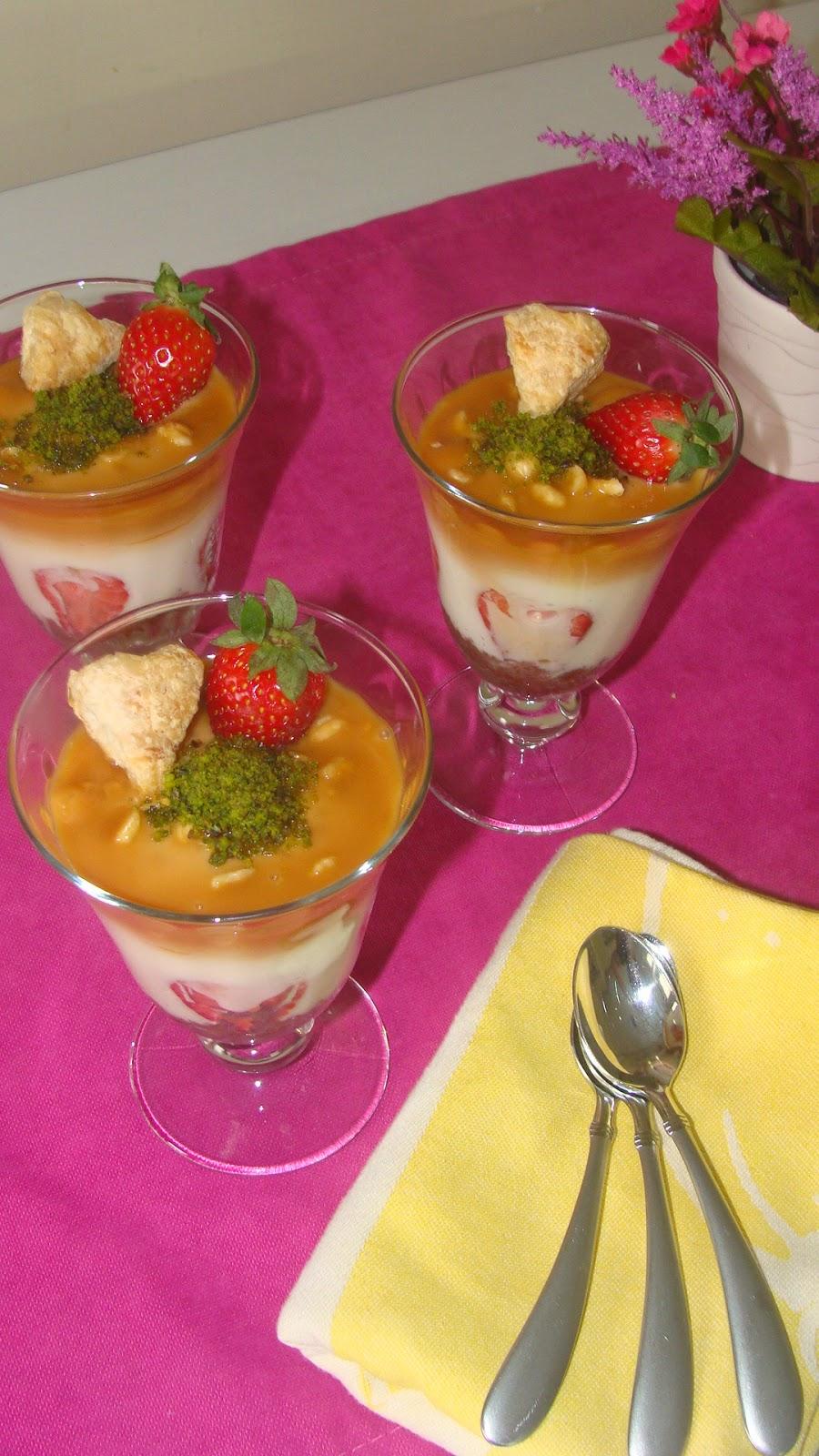 Meyve Salatalı Krem Karamel