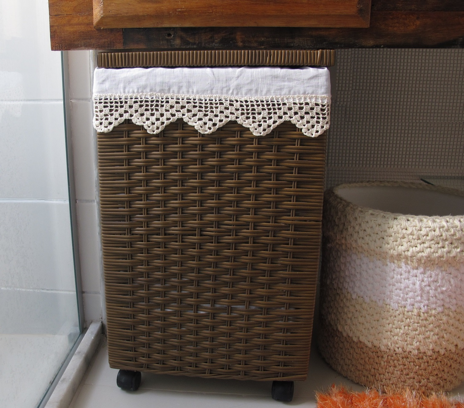 Agulhas e Pinceis Forro de tecido para cesto de roupa