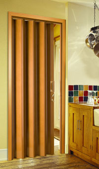 Blinds by design puertas plegables for Puertas economicas para interiores